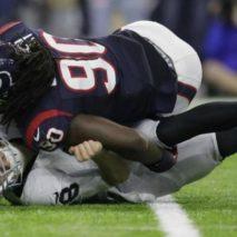 Houston stacca il biglietto per il Divisional, Raiders a casa