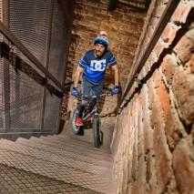 Sei mai salito sulla torre più alta di Verona? Alberto Limatore lo ha fatto… in bici!