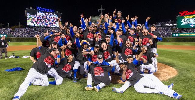 chicago-cubs-celebrating