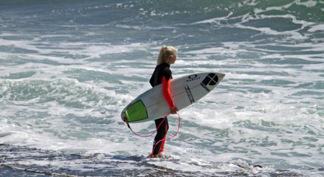 Alla scoperta di uno dei migliori spot di surf del Portogallo con Eveline Hooft