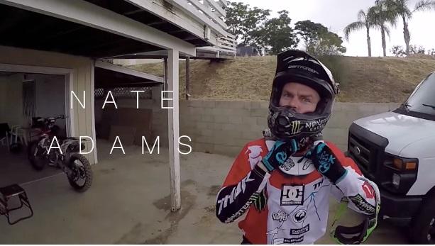 Un folle giro in moto insieme a Nate Adams
