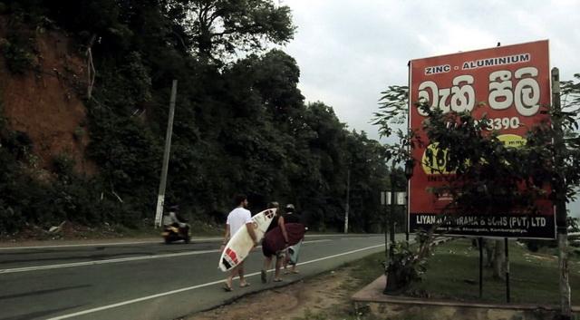 Protest a Stranavigli con la premiere di Southeast Journey