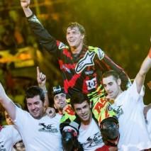 Tom Pagès trionfa al Red Bull X-Fighters di Madrid