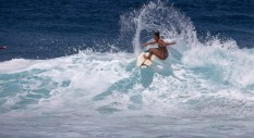 Le rider Roxy al Maui Pro: verso la World Surf Leage