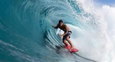 Zeke Lau: una session di surf in stile hawaiian