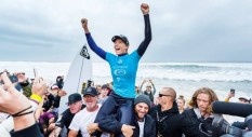 Stephanie Gilmore vince a Bells Beach