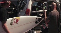 Il training dei surfer Leo Fioravanti, Zeke Lau e  Ramzi Boukhiam
