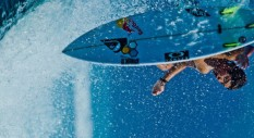 Il sorriso di Kanoa Igarashi sta cambiando il mondo del surf