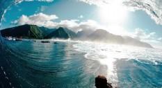 5 foto dei surfer Quiksilver alle prese con onde giganti