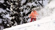 Torah Bright e Kelly Sildaru: snowboard e freeksi a confronto