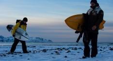 Aurora: surf e ghiaccio possono convivere?