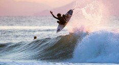 Surf: Young Guns in France